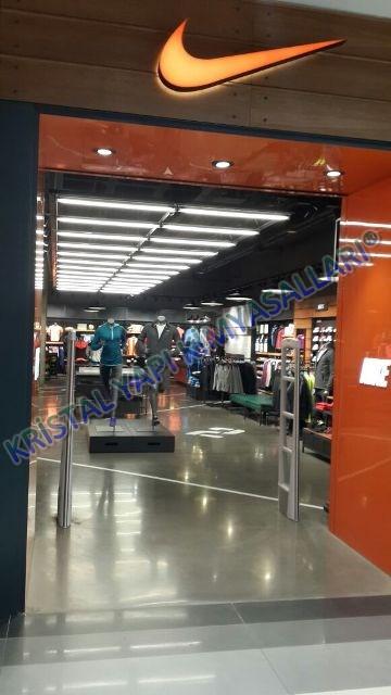 Mikro beton uygulaması Nike mağazası İzmir, Ankara, Antalya
